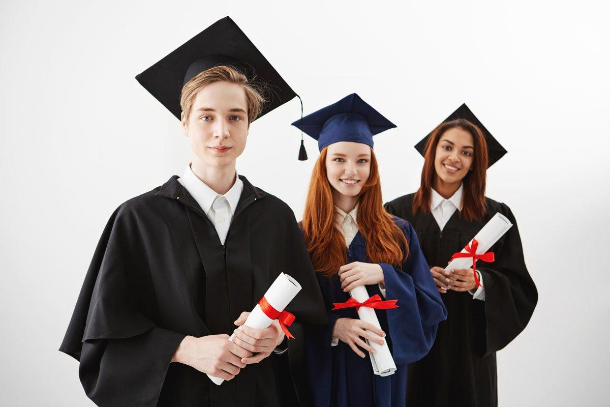 تضمین آینده تحصیلی با پاسپورت دومینیکا